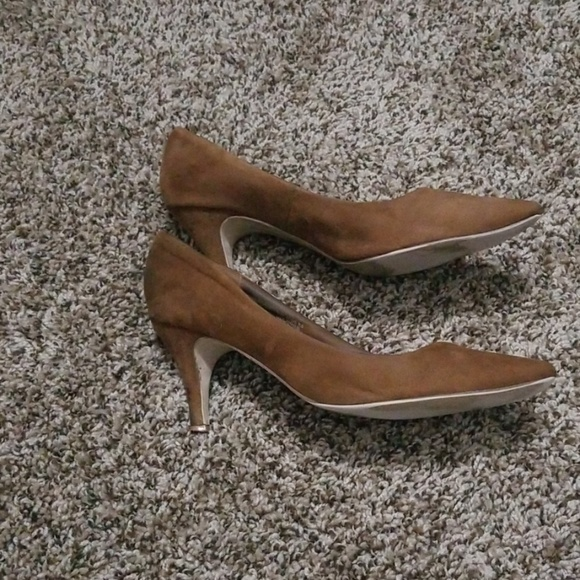 Size 9.5 H&M Brown Low Pumps by H&M